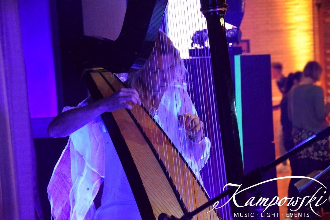 Weihnachtsfeier mit Live-Harfenistin