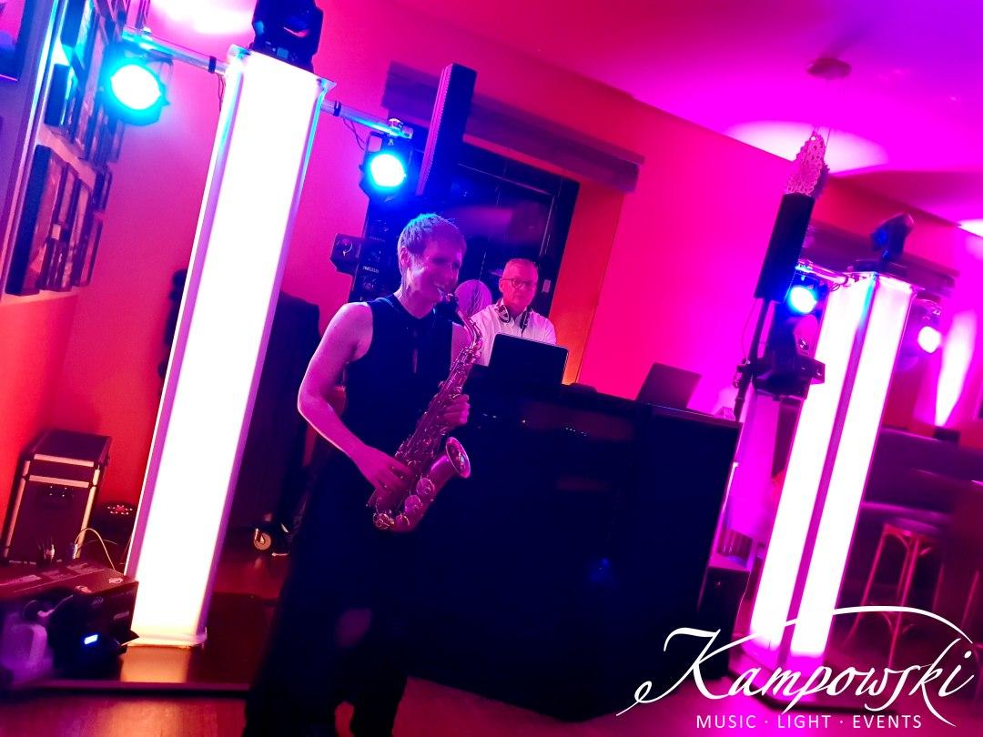 Saxophone meets DJ