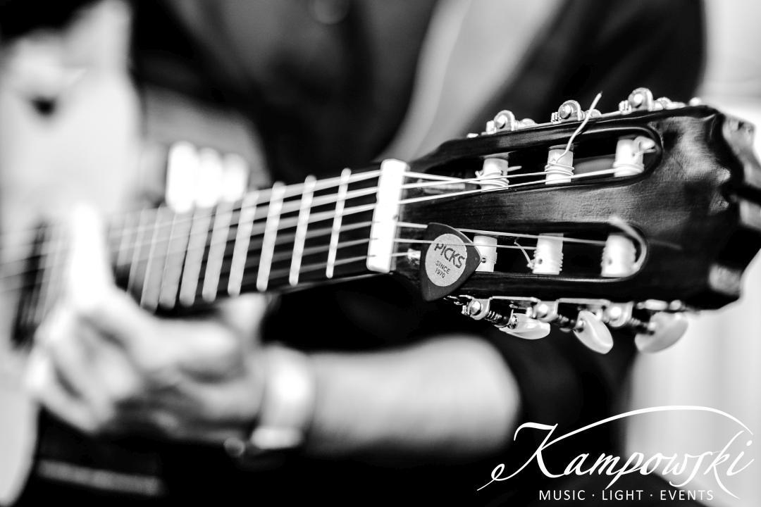 03-bbq-mit-kampowski-gitarristen-team